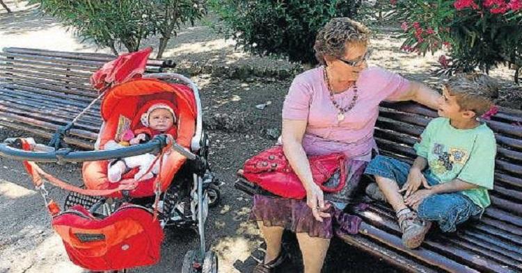 AMLO Propone Pagar A Abuelitos $1,600 Pesos Por Cada Nieto Que Cuide