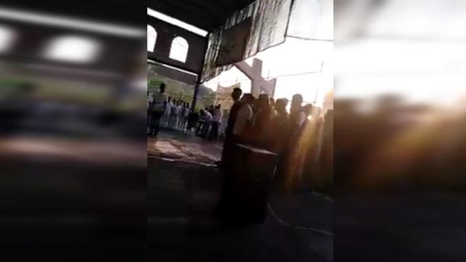 Chico se hace viral al confundir Juramento a la Bandera con el Padre Nuestro