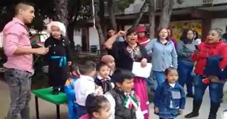 """Niño confunde grito de independencia y grita """"¡viva su jefa!"""" en lugar de """"¡viva Josefa!"""""""