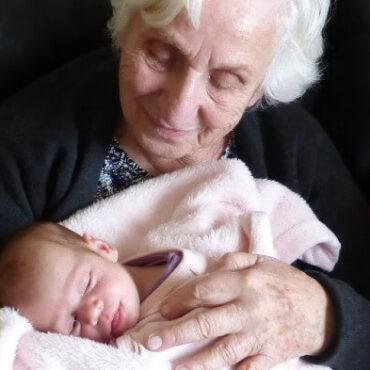 Vínculo entre abuela y nieto